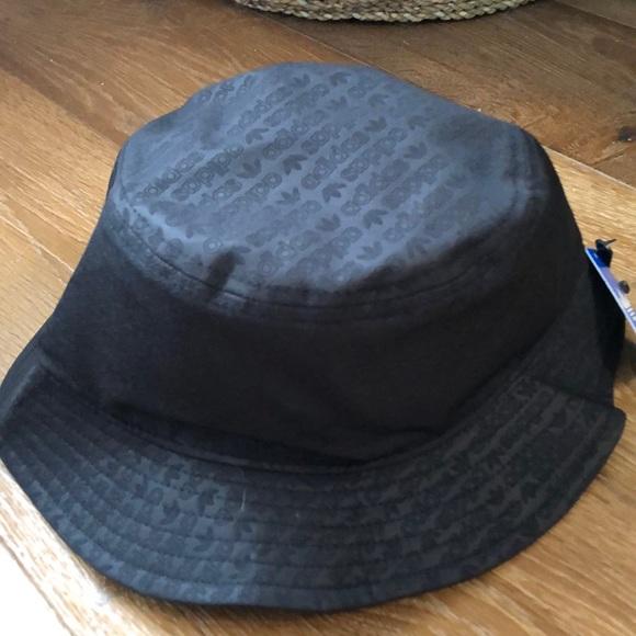 b9e6586e731bf adidas Originals emboss bucket hat
